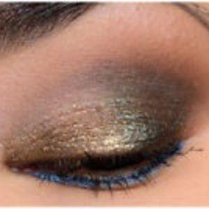 Urban Decay Makeup - Urban Decay liquid moo dust spacetime eyeshadow